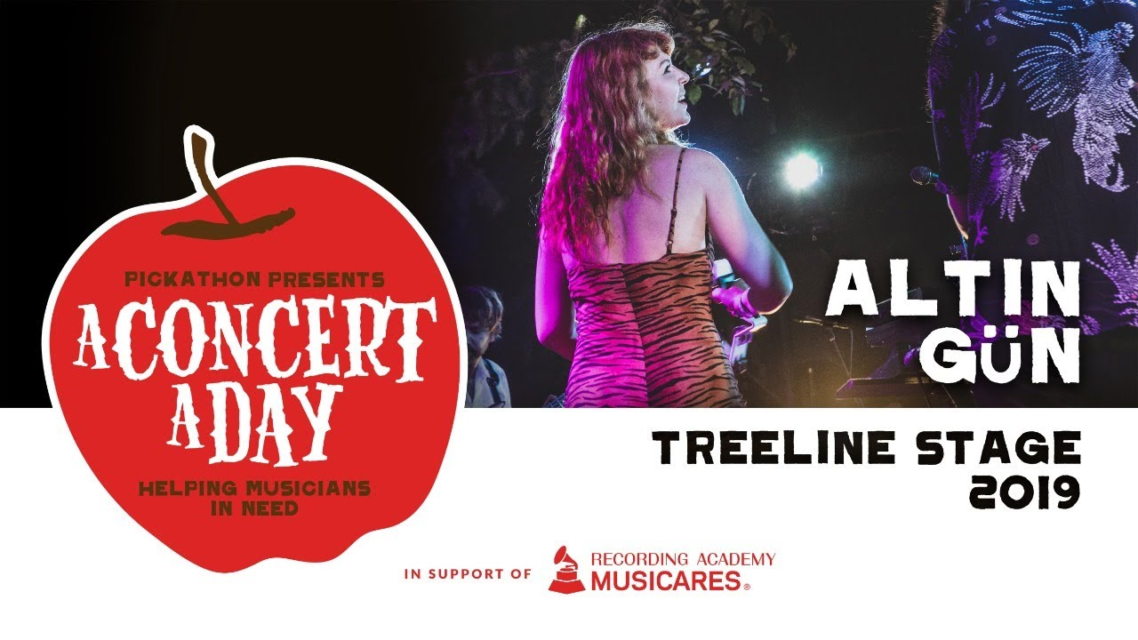 Altın Gün | Watch A Concert A Day #WithMe #StayHome #Discover #Live #Music