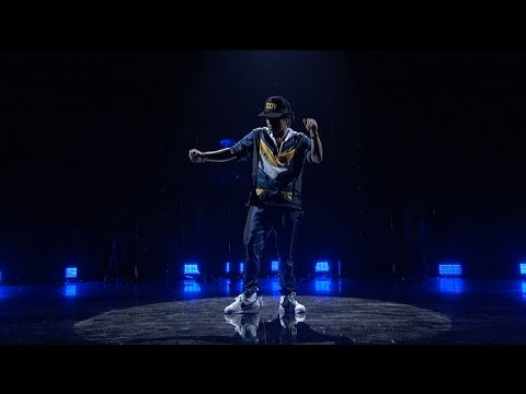 Bruno Mars - 24K Magic (from the 2016 American Music Awards) (Official Live Performance)